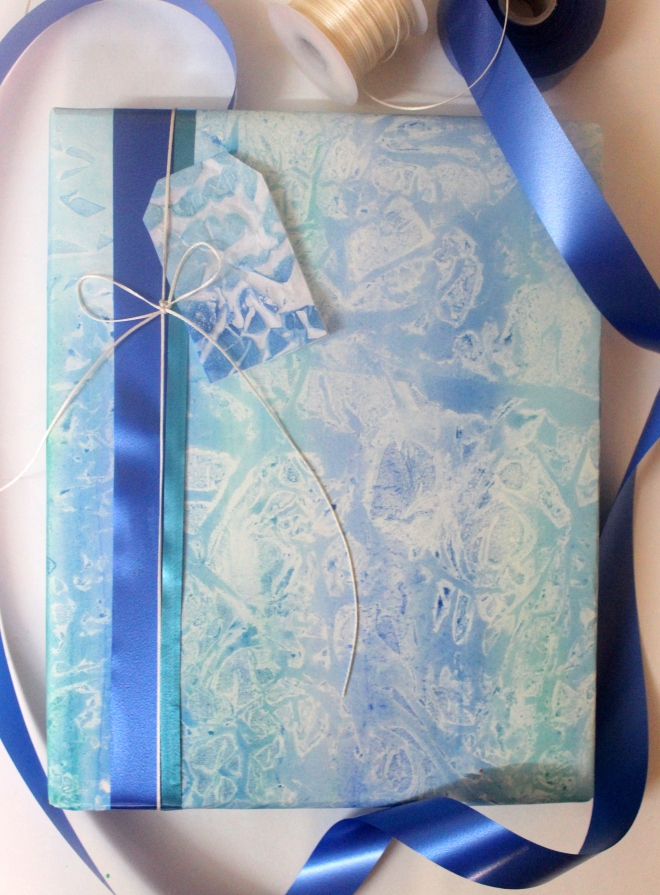 Wrapping Paper made using tracing paper | 4 ways to make wrapping paper using household items.