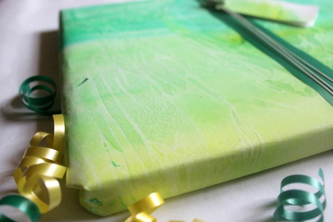 Wrapping Paper made using plastic sheets | 4 ways to make wrapping paper using household items.